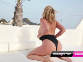 Hot MILF Leigh Darby takes off her swimsuit and wanks